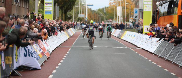 De Kleijn sprint naar de winst in Hardenberg